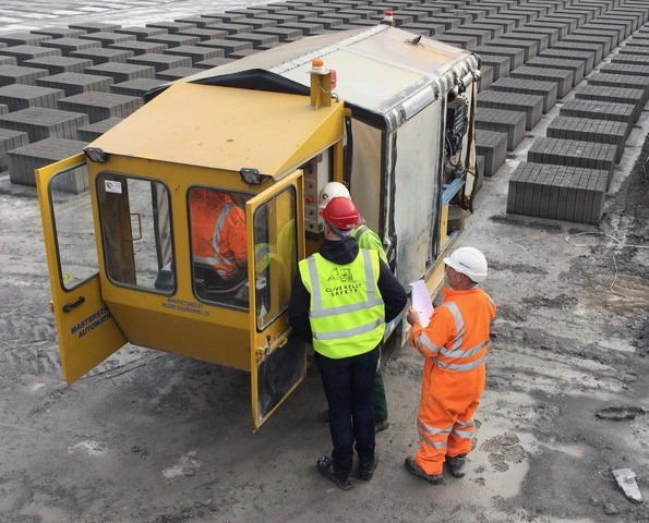 Pre-use inspection carried out on a strapper machine